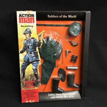 VINTAGE ACTION MAN - GERMAN STAFF OFFICER - SOLDIERS OF THE WORLD - CARDED UNIFORM 1st Issue